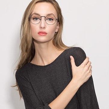 Matte Black  Belleville -  Classic Metal Eyeglasses - model image