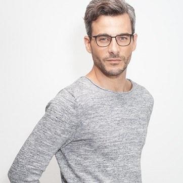 Matte Black Slight -  Metal Eyeglasses - model image