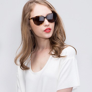 Tortoise Lima -  Acetate Sunglasses - model image