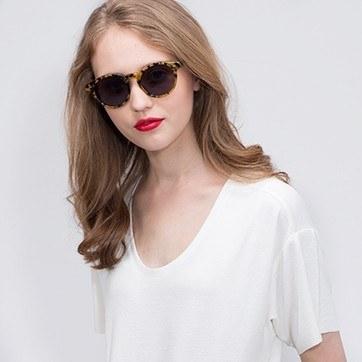 Tortoise Havana -  Acetate Sunglasses - model image