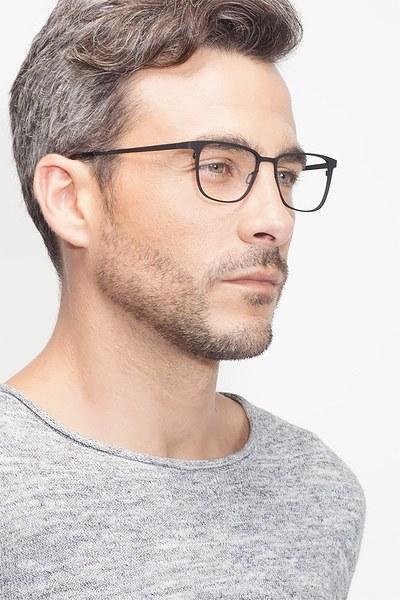 Slight - men model image