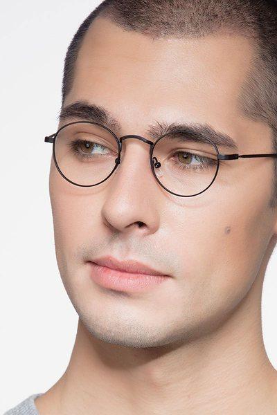 Cupertino - men model image