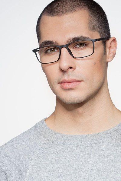 Sullivan - men model image
